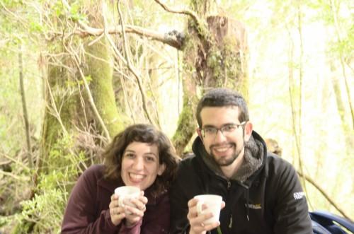 一緒に山にはいったアレックスたち。コーヒーは国境も簡単に超えちゃう。